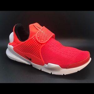 NEW Nike Women's *Special Edition* Sock Dart